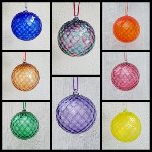 Round Ornaments – Diamond pattern, assorted colors