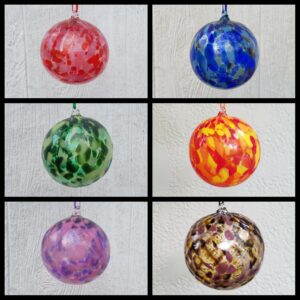 Round Ornaments – Color Mixes, Assorted