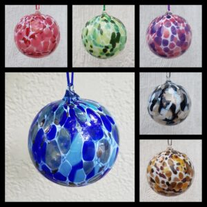 Round Ornaments – Color Mixes with White, Assorted